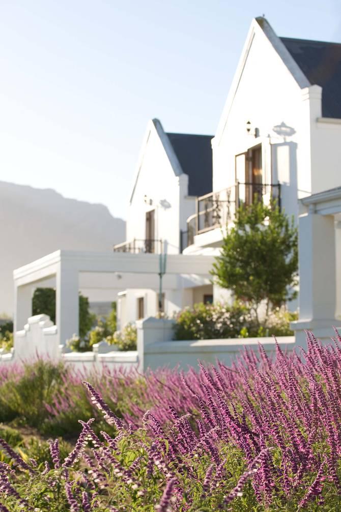 De Zalze Golf Estate - A walk in the winelands