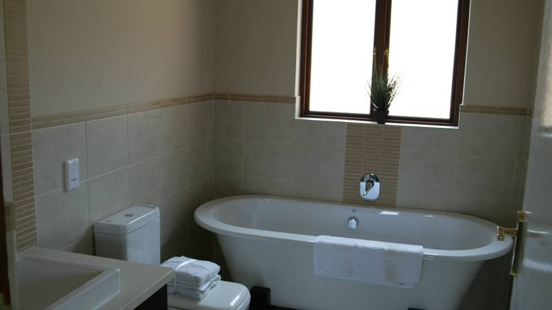 An Example Bathroom - Crowthorne Village